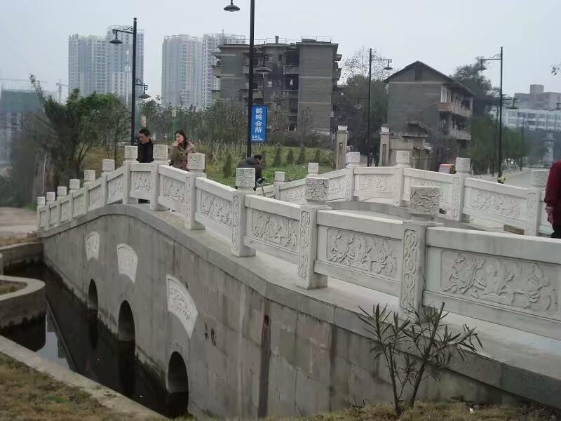 桥体石栏杆